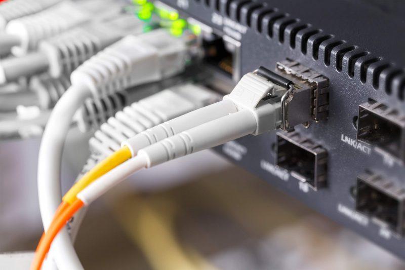 internetkablar och annat till en router